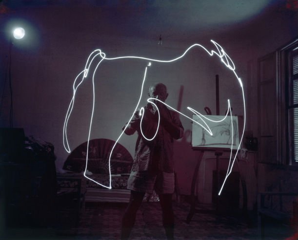 Pablo Picasso Light Painting