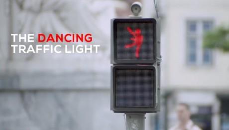 smart, campaña creativa semaforo que baila